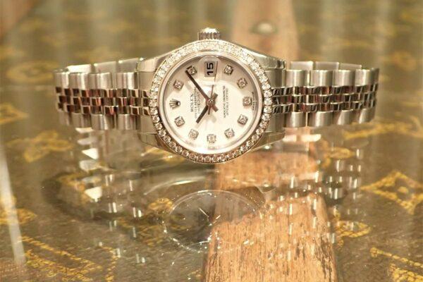ホワイトとダイヤが爽やかです Ref.179384G