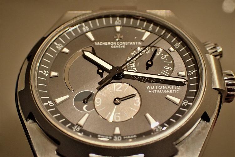 大人が選ぶべき時計とは Ref.47450/000W-9511
