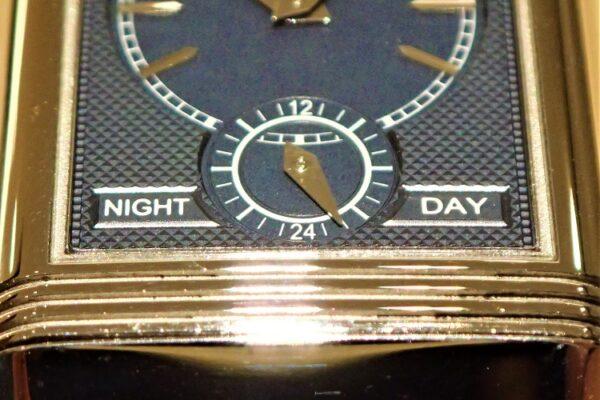 二面性を持つ時計 Ref.Q3908420